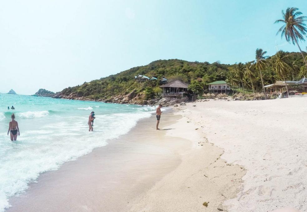 большой пляж на таиланде
